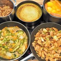 作り置き/常備菜/牛丼/チーズケーキ/ポトフ/野菜炒め/... 一週間分の作り置きです♪ ★薄切り牛肉の…(1枚目)