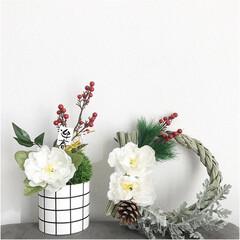 リメイク/お正月/お正月飾り/苔玉風/しめ縄/DIY/... しめ縄(松ぼっくり、松付き)、白い花(3…