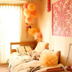 子供部屋/女の子の部屋/フラワーポンポン/ジャンボフラワー/不織布フラワー 中2の娘の部屋です。