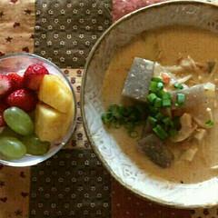 粕汁/秋の味覚/秋鮭 秋鮭で作った粕汁です。 秋鮭とは通称で白…