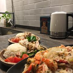 PRINCESS 電気ケトル 236000−RD(電気ケトル)を使ったクチコミ「よく作るカオマンガイ。材料をいれて炊飯器…」