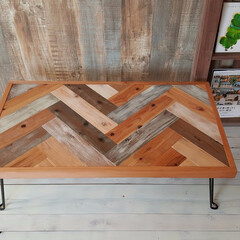 ハンドメイド/DIY/インテリア/ヘリンボーン/ローテーブル/アウトドアテーブル/... ヘリンボーン柄のローテーブルです。 脚は…