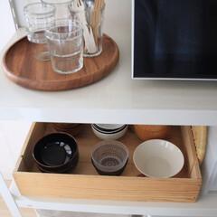 白山陶器 おかゆ碗 白 13×6.5cm 500ml 白磁千段 HAKUJISENDAN 波佐見焼 日本製 | 白山陶器(皿)を使ったクチコミ「スチールラックのオープン収納で木箱に並べ…」