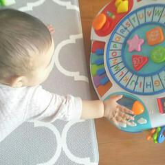 子育て/姉妹/日常/収納/おもちゃ/子供 子供の遊び場として使ってるダイニング。毎…(4枚目)