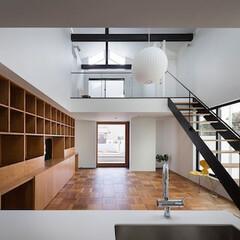 建築/住まい/吹抜/シンプル住宅/建築デザイン 吹抜のあるリビング OUCHI-43