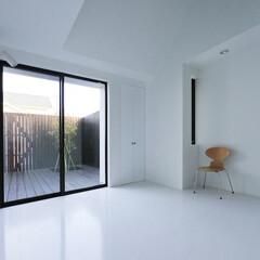 建築/住まい/中庭/平屋/シンプル住宅/OUCHI-41/... 中庭に面した主寝室