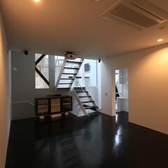 建築/住まい/建築デザイン/シンプル住宅/注文住宅/ホームシアター/... リビング代わりのホームシアター室 ハコノ…