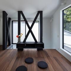 建築/住まい/建築デザイン/シンプル住宅/2階リビング 2階リビング OUCHI-44 正面は中…