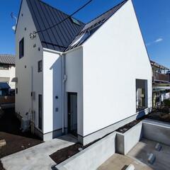 二世帯住宅/デザイン住宅/建築家住宅/OUCHI-40/自由設計/建築/... 石川淳建築設計事務所で設計したシンプルデ…