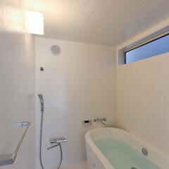 不動産・住宅/住まい/シンプル住宅/1000万円代の家/浴室 置きバスのシンプルな浴室  FRP防水で…