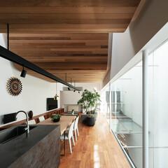 建築/リビング/大きな窓/無垢フローリング/キッチンハウス/住まい/... 11mのガラス窓