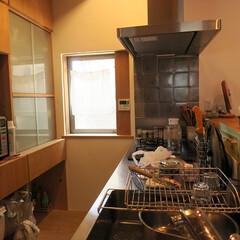 木/漆喰/自然素材/キッチン/制作キッチン キッチン。シンクは業務用のシンクをつくっ…