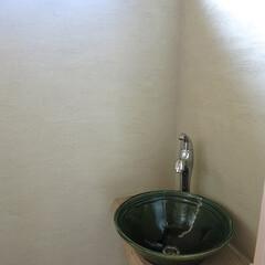 自然素材 2階トイレ 洗面ボールはお施主さんのお知…