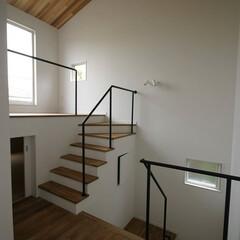 湘南スタイル/米杉/レッドシダー/無垢材/無垢床材/チーク材/... 階段手摺りをステンレスの黒で仕上げました。