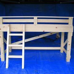 ベッドフレーム/寝具 柱は90mm角材、ベッドフレーム枠は15…