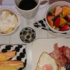 バナナヨーグルト/フルーツボール/LIMIAごはんクラブ/フォロー大歓迎/わたしのごはん/おうちごはんクラブ/... おはようございます(*^^*) お休みの…