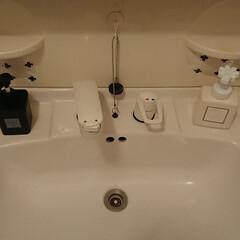 アトリックス/ハンドミルク ハンドクリーム | 花王(ハンドケア)を使ったクチコミ「我が家の洗面所です。ハンドソープとアトリ…」