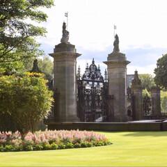 廃墟/海外/旅/庭/スコットランド/おでかけ 女王陛下のお庭に興味はありますか? ここ…