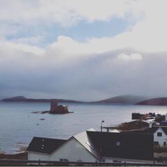 空/海/お城/城/スコットランド/おでかけ キシムル城の眺め。天気は刻一刻と変わり、…