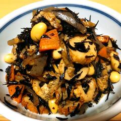 大豆/芽ひじき/ひじきの煮物/ひじき煮/おうちごはん/DIY/... 《ひじき煮》...は、大豆が入ってないと…