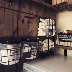 ふきん収納/布巾/100均/セリア/収納/はじめてフォト投稿 セリアのまな板スタンドで布巾収納。 台布…