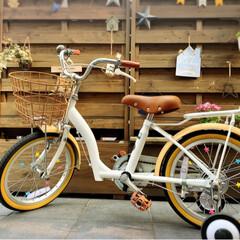 鍵/自転車/平成最後の一枚/春のフォト投稿キャンペーン/フォロー大歓迎/100均/... セリアでかわいいキーチェーンを発見✨ 白…