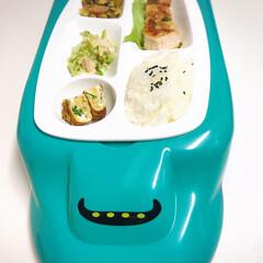 ハシモト ランチプレート グリーン W19.5×D34×H5cm(ベビー食器)を使ったクチコミ「新幹線好きな息子🚅 最近おばあちゃんから…」