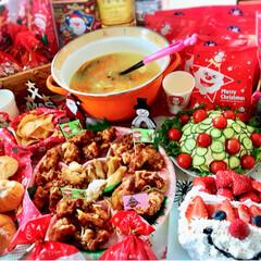 クリスマスケーキ/おうち/2018/フォロー大歓迎/クリスマス/クリスマスツリー/... 今年最後のクリスマスパーティー🎄 朝から…