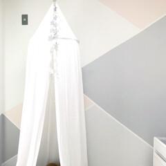 ペイント/子供部屋インテリア/天蓋/セルフペイント/子供部屋/インテリア/... ペイントした壁の完成写真です♡ 淡い色合…