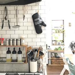 ブロック棚/油はねガード/調味料置き場/グリーン/DIY/雑貨/... キッチンのコンロ側からの眺めです(^^)…