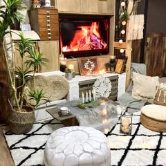 暖炉のDVD/マクラメランプシェード/マクラメ編み/ラグ/ベニワレン風ラグ/冬 楽天で、エア・リゾームインテリアで145…