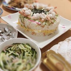 ひな祭り/ピンク/暮らし 雛祭り エビが🦐くるりん!
