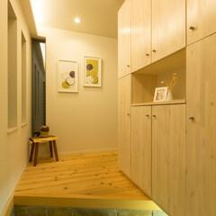 造作/間接照明 大工による造作玄関収納+間接照明。