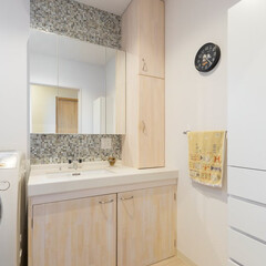 洗面化粧台/モザイクタイル オーダー洗面化粧台。壁はモザイクタイルで…