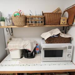 手作り家具/オーダー家具/キッチンカウンター/家電収納 手作りキッチンカウンターの天板の上の様子…