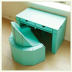 段ボール家具/子供椅子/子供机/家具 子供がお気に入りの自分の机と椅子。 自分…