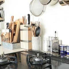 インテリア/キッチン収納/キッチンインテリア キッチン収納♪キッチンツールは鉢に♪包丁…