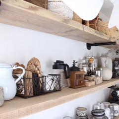 魅せる収納/見せる収納/キッチン/棚/コーヒーミル/ガス管シェルフ/... キッチン収納棚2段目♬ この段はコーヒー…