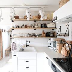 キッチン/見せる収納/食器/食器棚/インテリア/雑貨/... キッチンの食器棚♬お気に入りの食器はこの…