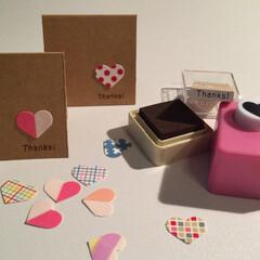 マスキングテープ/手作りカード/ハート/ペーパークラフト 白い画用紙にマスキングテープを貼って、ハ…