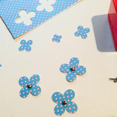 ペーパークラフト/手作り/花/マスキングテープ 白画用紙にマスキングテープを貼って、クラ…