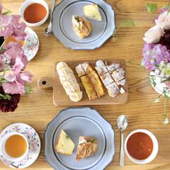 ランチ/おうちカフェ/スタジオm/紅茶/花束/パン/... 美味しいパン屋さんのパンを買って、ミネス…(1枚目)