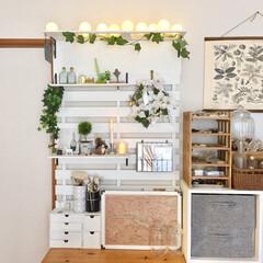 飾り棚/シェルフ/パーゴラ/工作板/すのこ/DIY/... 机と同じ幅のすのこに工作板などを取り付け…