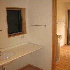 シンプル/家事動線 舞子坂の家 洗面はシンプルに家事コーナー…