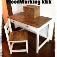 子ども部屋/ツートン/ナチュナル/勉強机/DIY/部屋作り(部屋づくり)/... 子供に作った勉強机セットです。