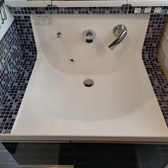 モザイクタイル/住まい 洗面台にモザイクタイルシール 貼ってみま…