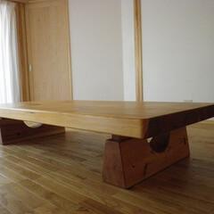 座卓/杉/ローテーブル 杉のごつい座卓です。存在感のある脚に加工…