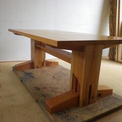 けやき/ダイニングテーブル/大黒柱 ケヤキの大黒柱からダイニングテーブルを制…