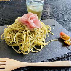 pasta/生ハム/ジェノベーゼソース/クリームチーズ/おうちごはん/おうちカフェ ジェノベーゼソース使ってpasta😋