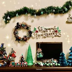 ソフトクリーム/ピスタチオ/ミニストップ/グリーン/クリスマス雑貨/クリスマスツリー/... 🎄玄関はグリーン🤗 (壁…押しピンのあと…